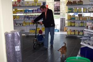 Lissi im Verkaufsraum